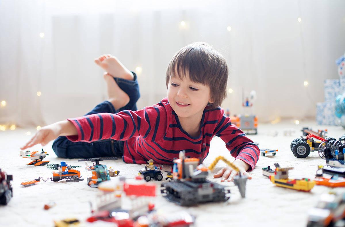 Конструктор лего играться ребенку 6 лет