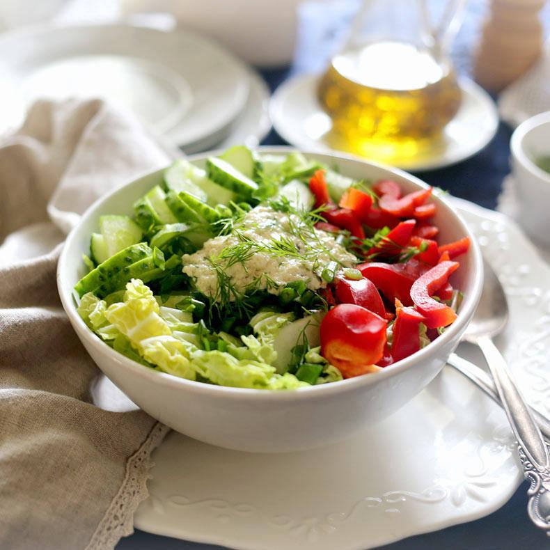 Заправка для салата овощного с сыром