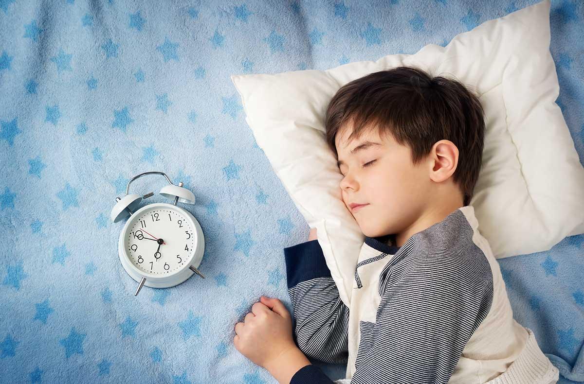 Невролог говорит, что прекратите кормить грудью , будет спать всю ночь.