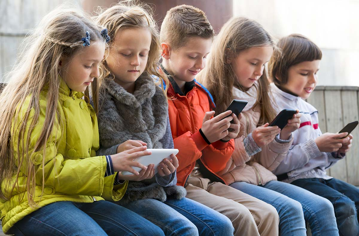 misuse of mobile phones by children Today i will be speaking about a topic which concerns most parents- and it is the misuse of mobile phones mobile phones some examples of misuse children.